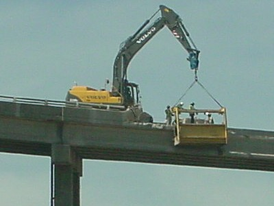 Demolition of the guiderails on the ramp from I-79 northbound to I-279 northbound