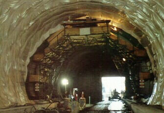 Lehigh Tunnel lining installation