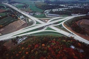 New single point diamond interchange