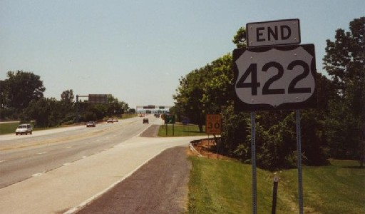 US 422 westbound at the eastern section's western terminus