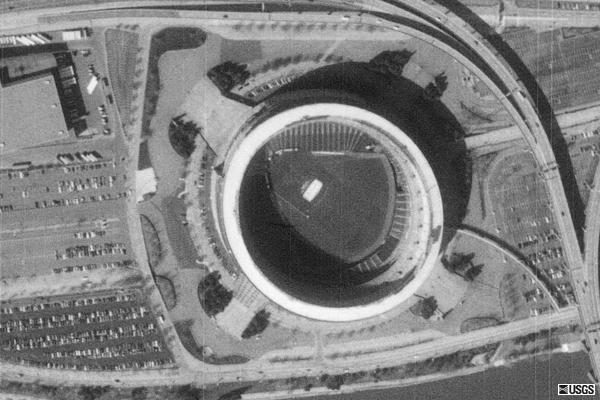 Aerial picture of Three Rivers Stadium from 1995