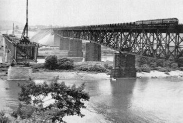 Construction of the bridge over the Allegheny River