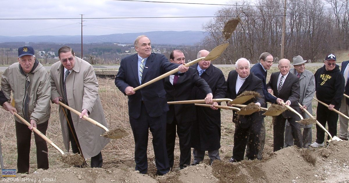 Groundbreaking ceremony on April 1, 2006 in Uniontown for the section of PA Turnpike 43 between US 119 and Brownsville.